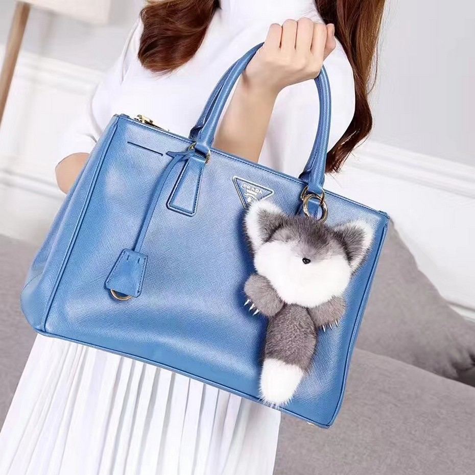 все цены на 2018 Cute Genuine Real Mink Fur Plush Fluffy Furry Fox Keychain Pompom Animal Key Chain Women Bag Charm Bag Accessories Pendant