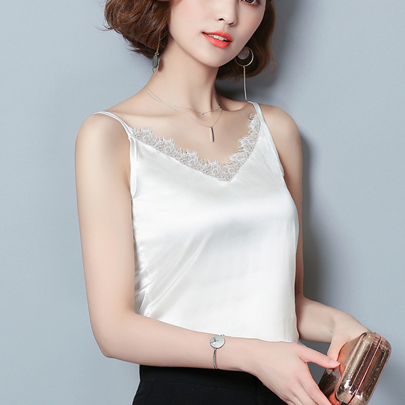 735a156b97d Korean Slim 2018 Lace Bralette Summer Halter Top Women T Shirt Fitness  Sling Sexy Tops T Shirt For Women Vest Strappy Bra Camis-in Camis from  Women s ...