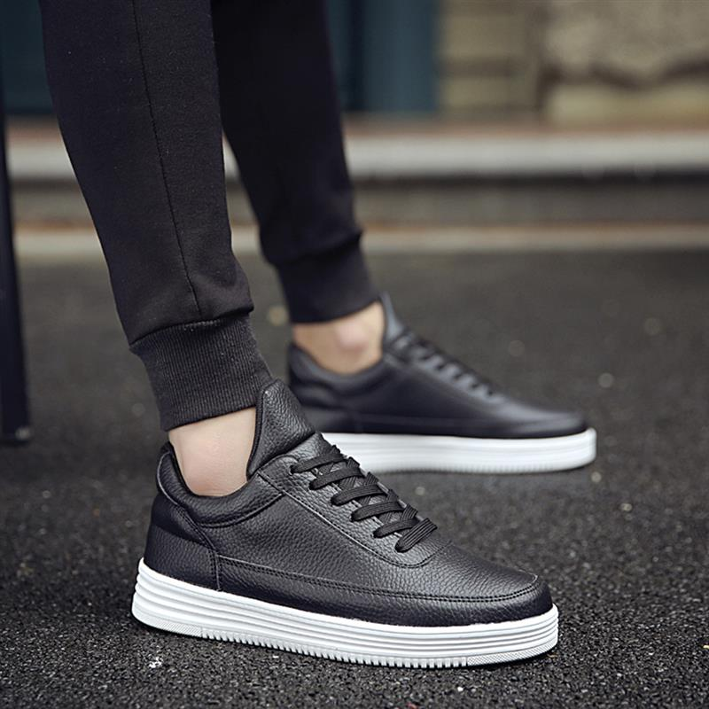 Skateboarding Shoes For Men Simple Classic Style Shoes Anti-Slippery Male Sneakers