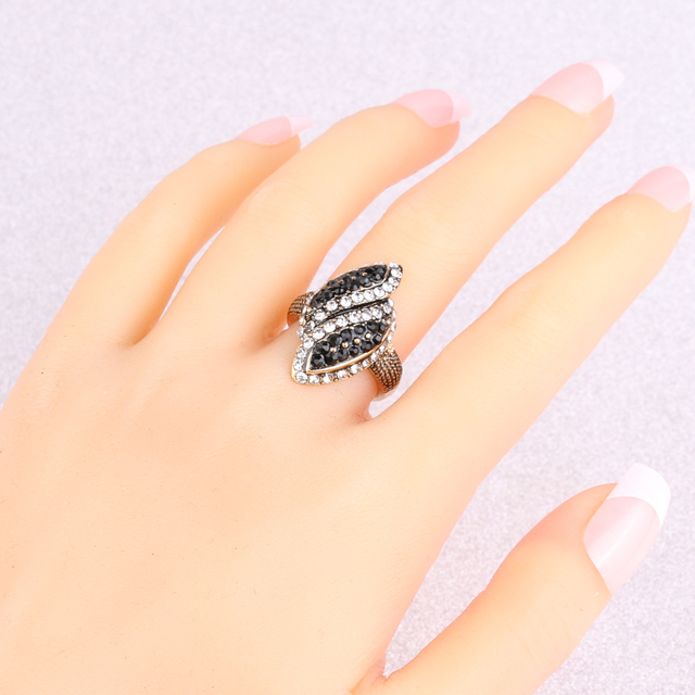 Kinel Luxury Black And White Crystal Rings For Women Color Antique Gold Fashion Vintage Wedding Ring Party Gift