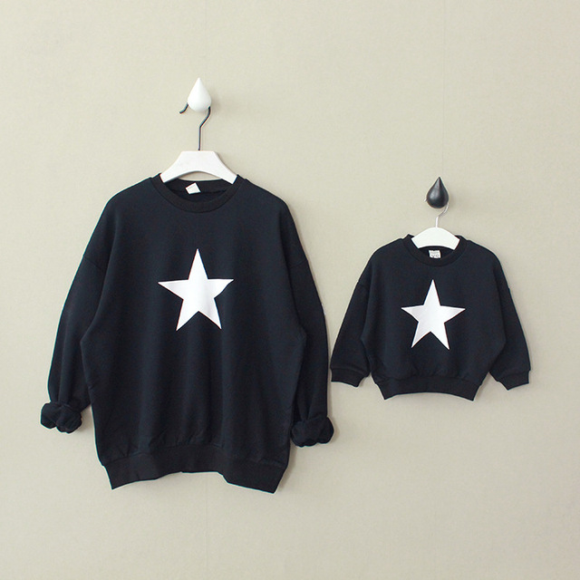 New Casual Mom And Child Hoodies Spring Autumn stars printed Mom and Baby Set Family Look Girls Boys Hoodies family clothing
