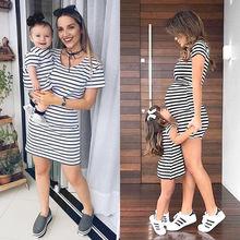 Новые одинаковые комплекты для семьи платья для мамы и дочки хлопковое платье в полоску для маленьких девочек Повседневная летняя одежда