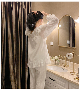 Image 5 - Lolita princesa v pescoço conjuntos de pijama. plissado rendas tops + calças compridas. conjunto de pijamas da menina das senhoras do vintage. roupa de dormir loungewear