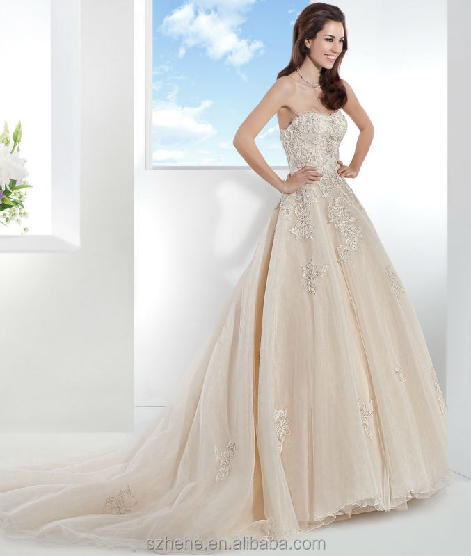 The Wedding Dress Does Not Include Any Accessories Such As Gloves Veil Or Petticoat If These Show On Pictures