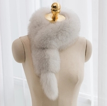 MIARA.L couples fox fur collar wool  clip with small tail for wholesale