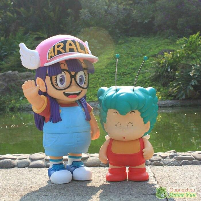 Oyuncaklar ve Hobi Ürünleri'ten Aksiyon ve Oyuncak Figürleri'de Anime figürü oyuncak Dr. Slump Arale melek kanatlı şapka 2 adet/takım anime PVC 40 cm yükseklik Güzel şekil'da  Grup 1