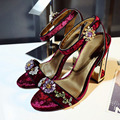 2017 Fretwork Heels Luxury Brand Crystal Sandals Chinese style flower buckle Shoes Rhinestone Retro Velvet Pumps for Women