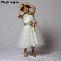 A-line Appliques Volle Heiligen Weiß Erstkommunion Kleid für Mädchen Mit  Niedlichen Bogen Blume Mädchen e68d0e616d