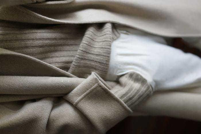 2019 invierno alta calidad engrosamiento suelto cuello redondo mujeres suéter de cachemira sólida Jersey mujer camisa corta asimétrica