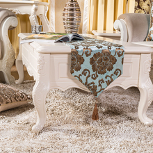 European Classical Luxury Velvet Gold Stamping Table Runner New Polyester Floral Printing Table Decorative Cloth For Hotel & Bar