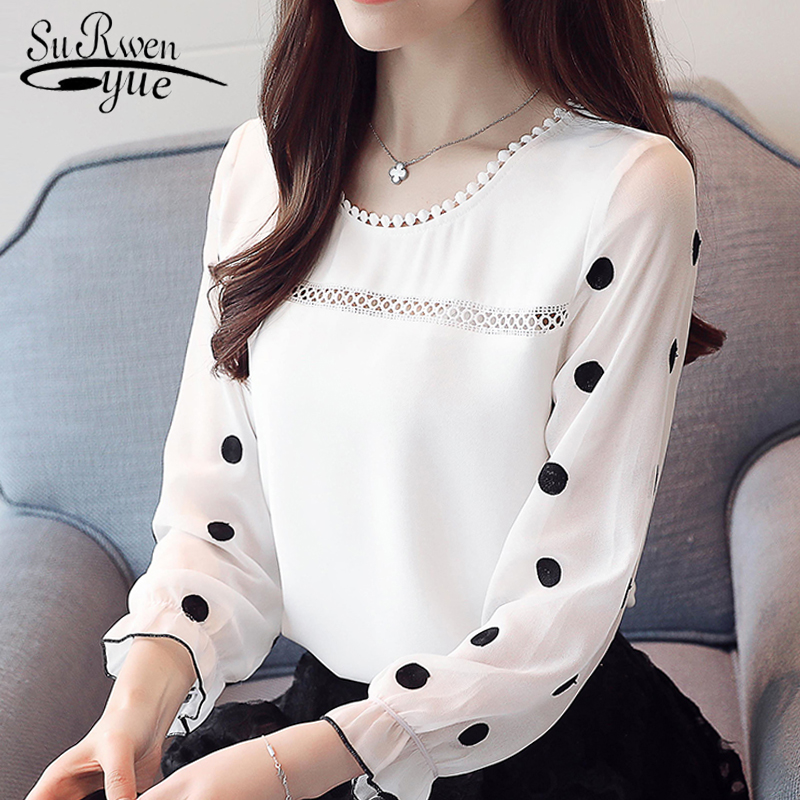 5aad6b32cdfb Blusa de mujer de manga larga a la moda 2019 de gasa ropa de mujer dulce  cuello redondo negro punto blanco blusas femeninas d383 30