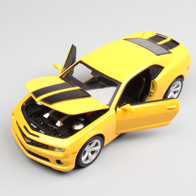 1:24 Scale brand maisto 2010 Chevrolet chevy muscle coupe camaro SS RS metal automobile Diecast collectible model car toy boys revell model 1 25 scale 85 7457 69 camaro z 28 rs plastic model kit