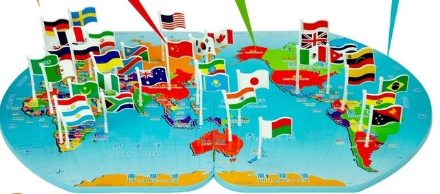 Plastic fight inserted cognitive woodengeography world map flags plastic fight inserted cognitive woodengeography world map flags inserted flag baby educational toys for children gumiabroncs Image collections