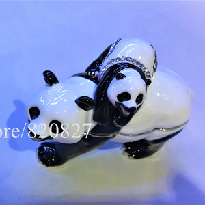 Panda Mother and Bady Bejewele