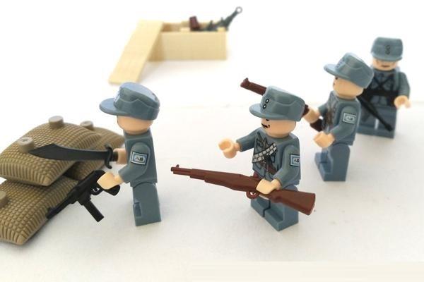B090 Original Blocks Educational Toys Swat Police Military Weapons Gun Model City Accessories blocks Mini figures