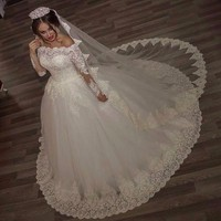 2019 Luxury Vintage Long Sleeves off Shoulder Wedding Dresses Princess Lace Alliques Bridal Bride Gowns robe de mariage