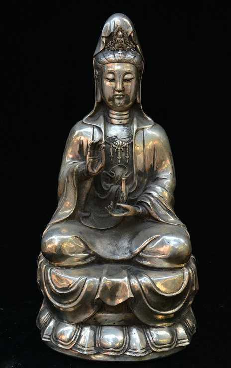 Старая китайская буддизм Серебряная сидячая статуя цветка лотоса