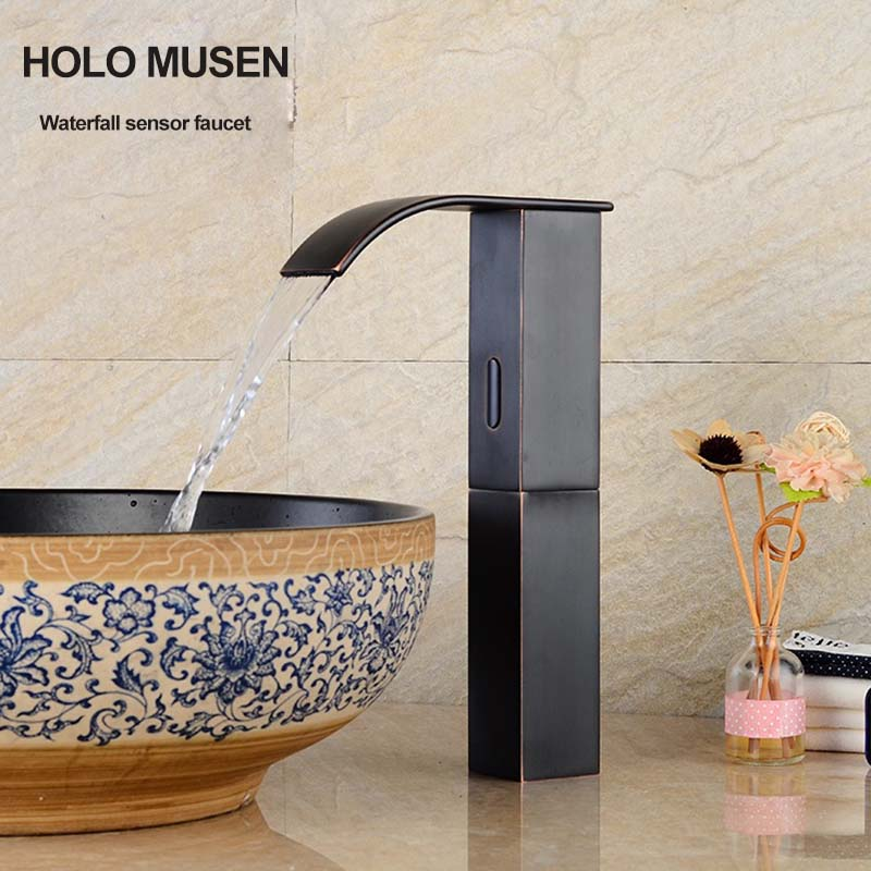 купить Black Painting Touch Free Infrared Sensor Automatic Faucet Water Saving Hygeian Sensor Faucet Waterfall for Countertop Basin по цене 8472.49 рублей