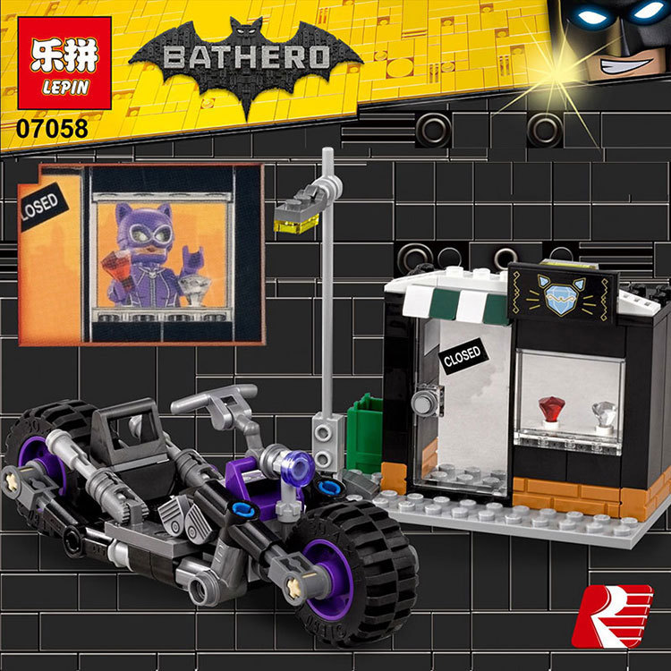 Lepin 07058 New Genuine Batman Movie Series The Catwoman Motorcycle Chase Set Building Blocks Bricks Educational Toys