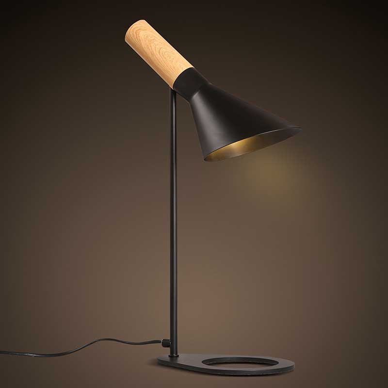Nordic Brief Personally Loft Vintage Modern Iron Wood LedTable Lamps Industrial Bar Coffee Bedside reading Home Decor Lighting
