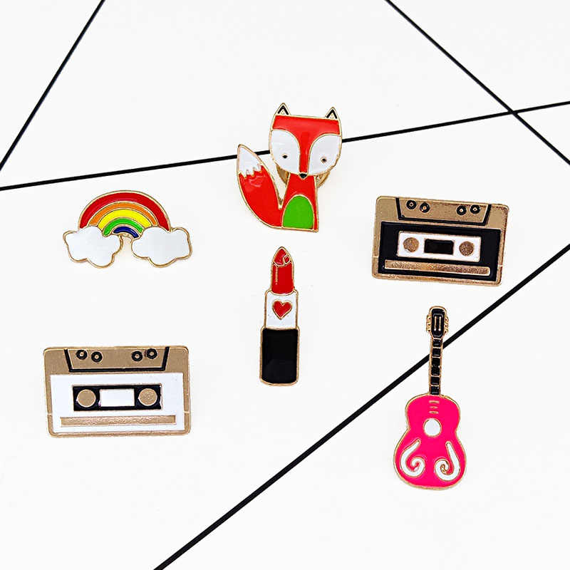 קלטת קריקטורה חמוד שועל גיטרה קשת שפתון סיכת סיכות סיכות כפתור בגדי ג 'ינס קישוט מתנת נשים תכשיטי אופנה