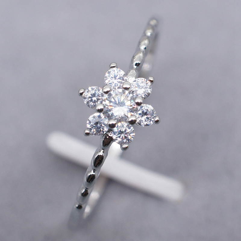 1 Stks Mode Eenvoudige Zilveren Sneeuw Ring Met Witte Cz Kristal Romantische Sneeuw Bloem Bloemen Vinger Ringen Fijne Sieraden