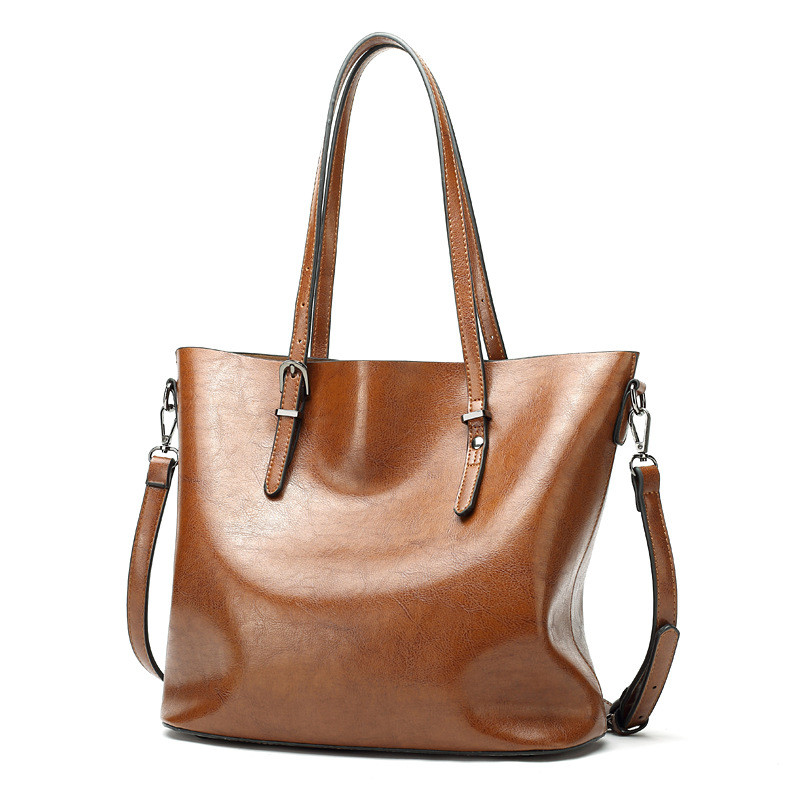 2017  new women Oil wax Cowhide leather handbags women bag of simple waterproof