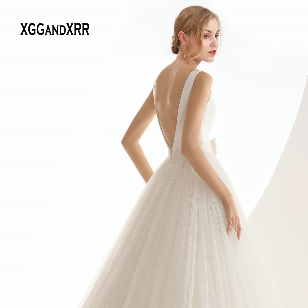 Elegant A Line Tulle Wedding Dress with Bow Sash Romantic V Backless Long Bridal Gown Simple Satin Tulle Wedding Bride Dress