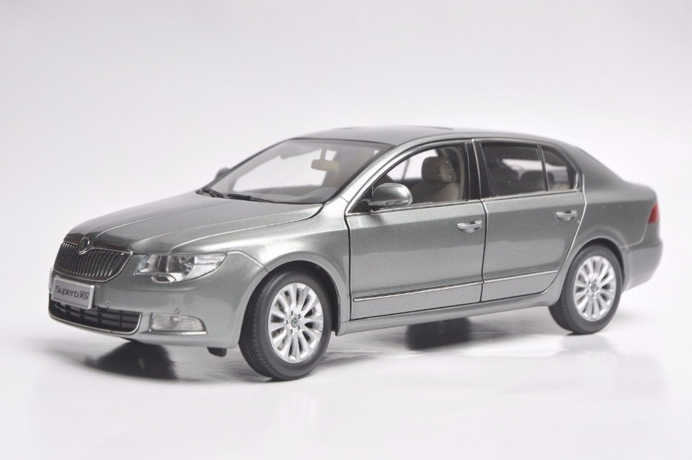 1:18 Diecast Model for Skoda Superb 2012 Grey Liftback 25th Anniversary Limited Edition Alloy Toy Car Miniature Collection