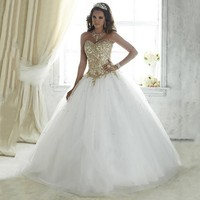 Beautiful Vestidos De 15 Anos White Debutante Ball Gown Lace Dress for 15 Years Cheap Gold Appliques Quinceanera Dresses 2017