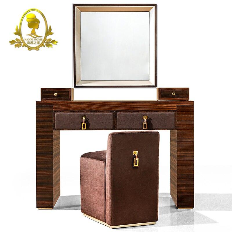 Muebles de dormitorio de estilo moderno tocador con espejo y muebles ...
