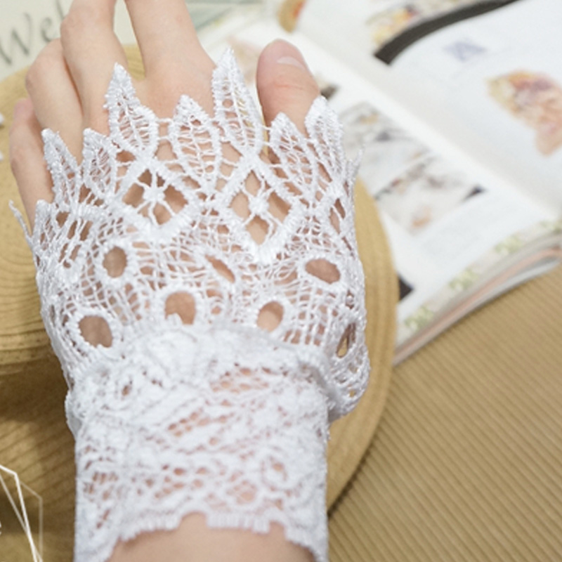 Romantic Decorative Fake Collar Cherry Velvet Bowknot Decorated False White Water Lace Fake Cuffs Decorated Sleeves Soft