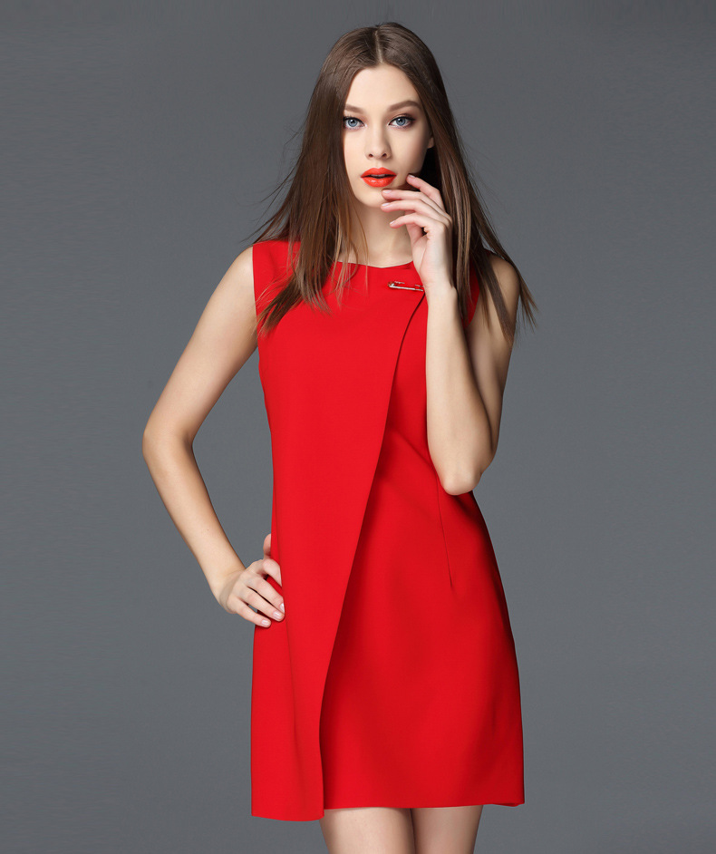 3f9d05841aee4 European Fashion Style Summer Women Red Black Dress O-Neck Sleeveless Dresses  With Big Brooch Girl Noble Bodycon Party Clothing