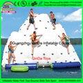 Ilha de água parque aquático inflável, pista de obstáculos infláveis da água, parque de diversões equipamentos Iceberg Inflável para jogos engraçados