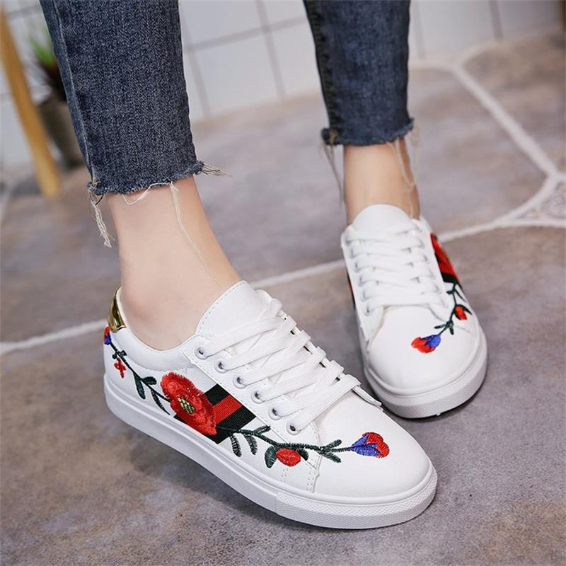 2018 Fashion Sneakers Women Vulcanize Shoes Flower Printed Lace up Ladies Footwear Female Flat Summer Women Casual Shoes DC140
