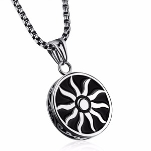 Мужской кулон Sun God, винтажный круглый кулон из нержавеющей стали, ожерелье для мужчин и женщин, ювелирные изделия
