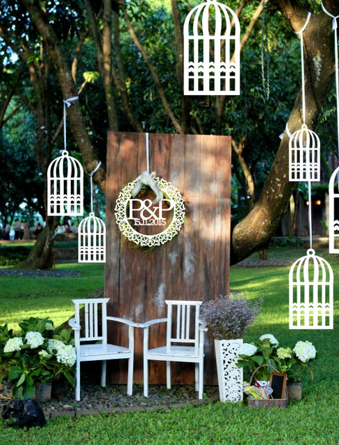 White Rustic Style Wooden Bird Cage Design Hanging Outdoor Wind Chimes / Decorative  Garden Ornament Wedding