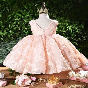 Image 2 - Kız elbise vaftiz elbise bebek pembe petal zarif çiçek kız düğün elbise tutu prenses bebek kız elbise