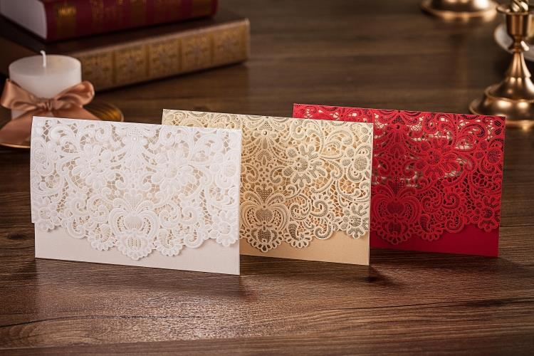 High Quality 50pcs lot 185 127mm Embossment Wedding Invitation Card Red White Gold With Envelopes Inner