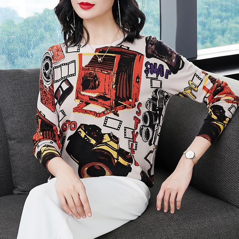 2018 Autumn and Winter New Sweaters Women's European and American Fashion Knitted Underwear Doubled Neck Printing Pullovers