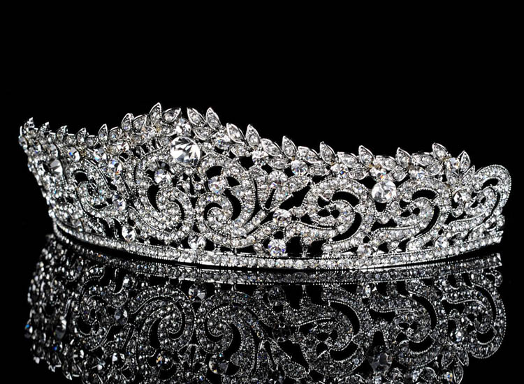 HTB1pMwXMpXXXXaJXXXXq6xXFXXXj Lavishly Studded Bridal Prom Party Pageant Cosplay Rhinestone Tiara Crown For Women