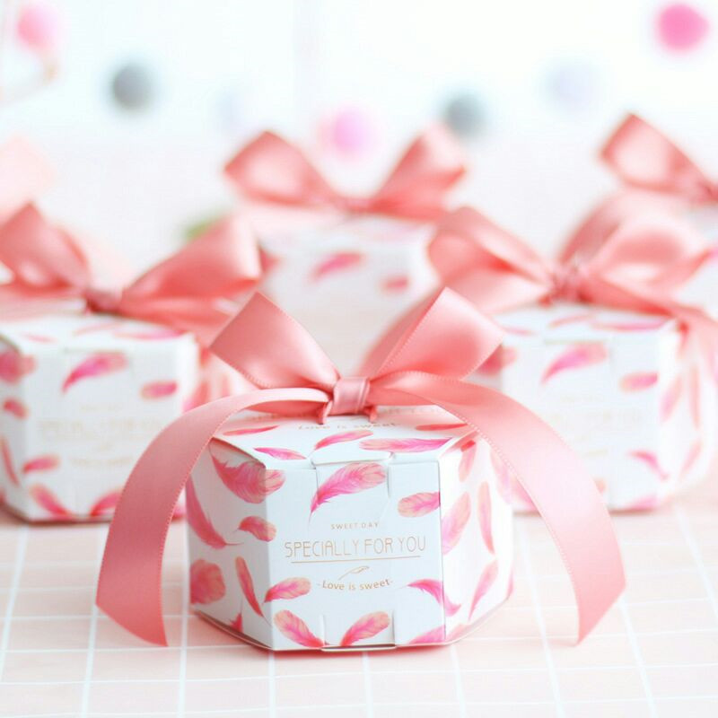 New Pink feather Candy Box with ribbon chocolate gift boxes wedding favors Gifts Boxes Baby Shower Paper gifts Party Supplies