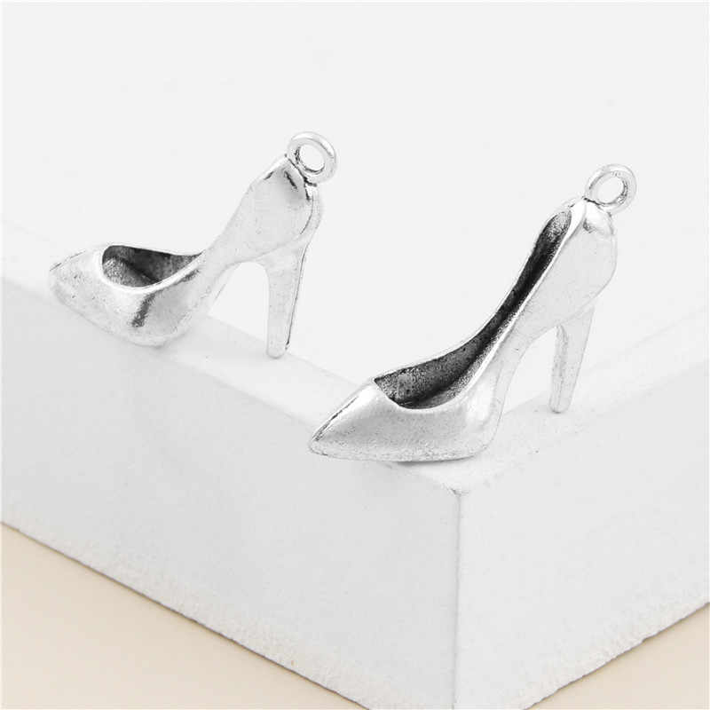 15 piezas de plata antigua 3D amuletos de zapatos de tacón alto señora colgante Fabricación de bricolaje artesanal accesorios de joyería A3098