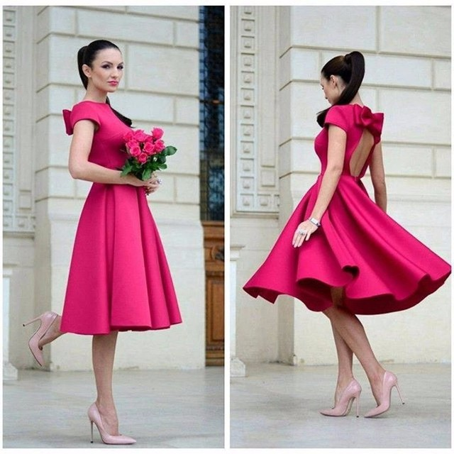 Arabic Red Satin Cocktail Dresses 2017 Sexy Scoop Bow Backless Knee Length robe de cocktail Cap Sleeves Summer Girl Party Dress