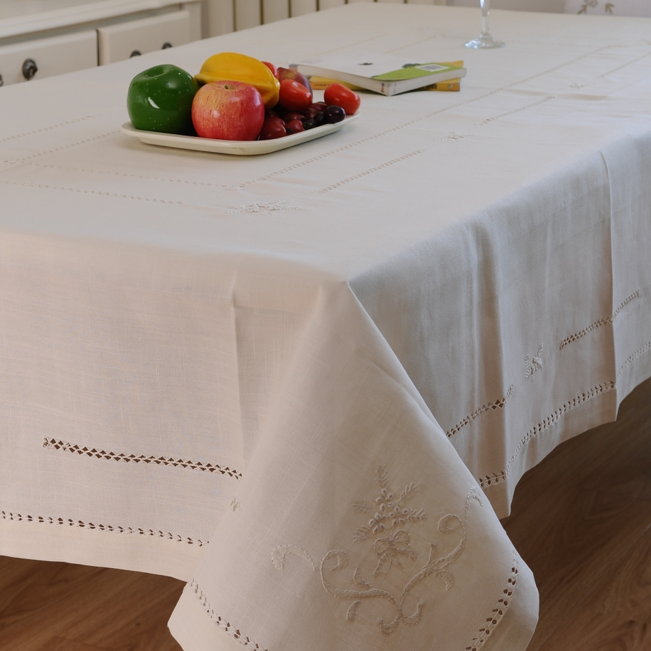 HETAIYIYUAN Modern brief round tablecloth embroidery  : HETAIYIYUAN Modern brief round tablecloth embroidery dining table cloth handmade embroidery oblong tablecloths table cover from www.aliexpress.com size 950 x 950 jpeg 500kB