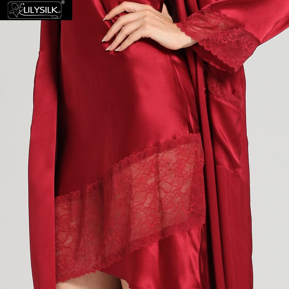 1000-claret-22-momme-flowing-lace-silk-nightgown-&-dressing-gown-set-03
