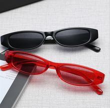 5af4a47d4 Óculos De Sol Das Mulheres do Gato do vintage Fino Moda Pequeno Retangular  Quadro Vermelho Preto Olho de Gato Óculos de Sol Retr.