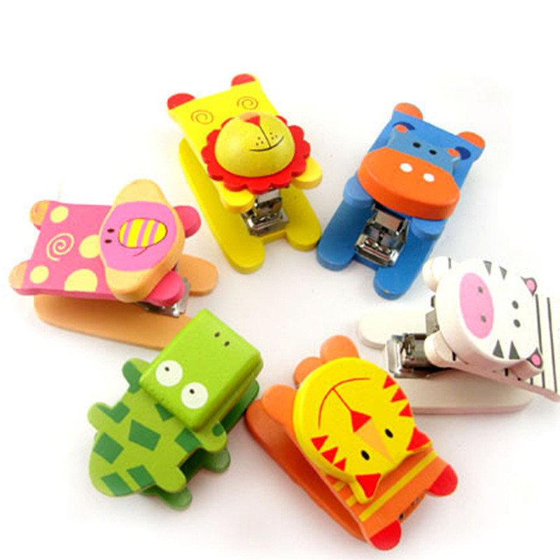 Mini Stapling Machine Cute Wooden Stapler Cartoon Animal Manual Binding Paperclip Students Paper Book Binder Gifts Office Supply