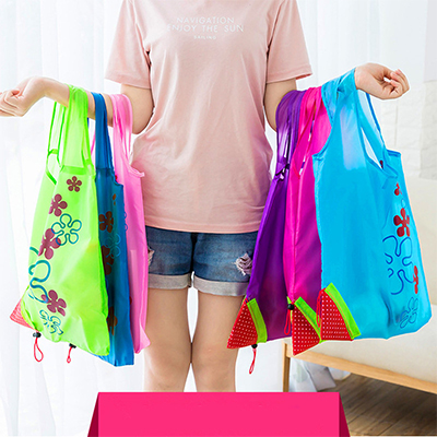 Women Shopping Bags 2019 Hot Creative Environmental Storage Bag Handbag Strawberry Foldable Reusable Grocery Nylon Eco Tote Bag