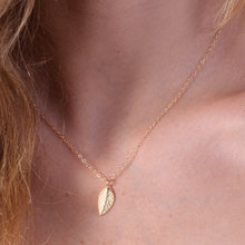 1PCS- N121 New Small Tiny Tree Leaf Necklace Simple Feather Necklace Cute Nature Leaf Necklaces for Ladies Women Gift rhinestone faux crystal feather leaf necklace